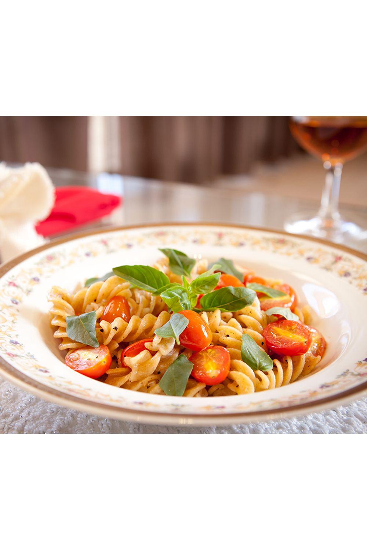 Fusili-integral-com-tomates-cerejas-e-basilico