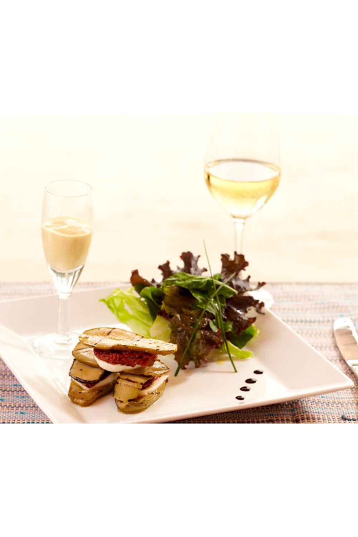 envoltine-de-abobrinha-com-mussarela-de-bufala-salada-de-folhas-verdes
