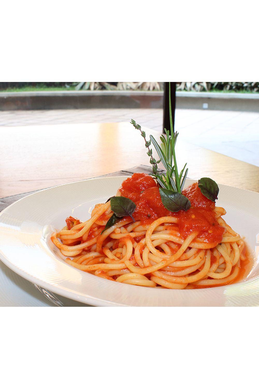 spaghetti-com-pomodori-basilico